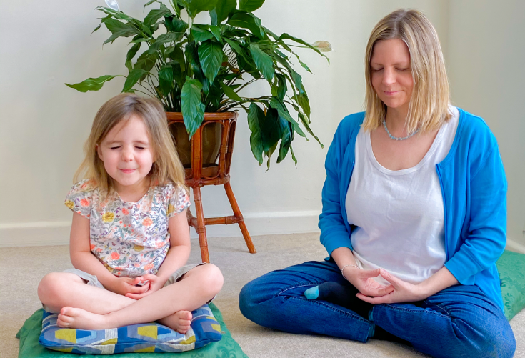 mother-and-daughter-meditating