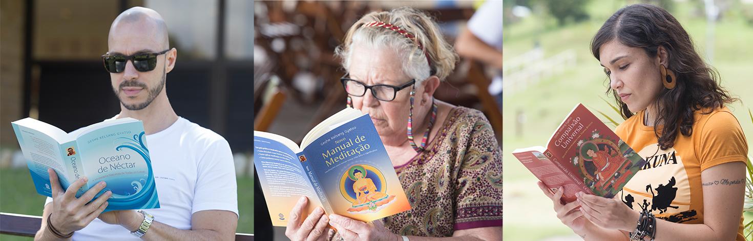 Pessoas lendo os livros da Tharpa